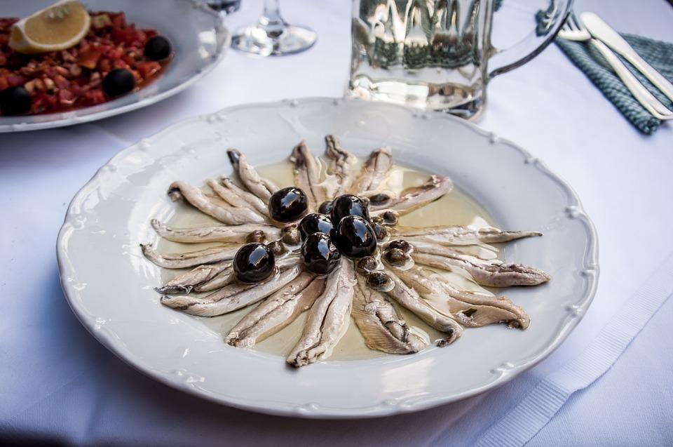 las anchoas, un plato típico de la gastronomía de Girona